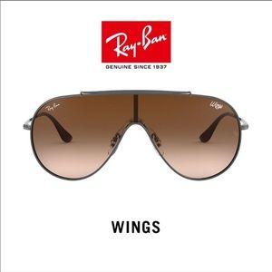 NWT RAY-BAN WOMEN GUNMETAL 133mm Shield Sunglasses